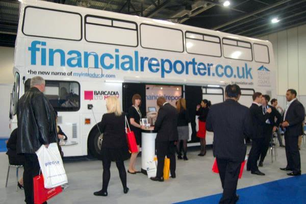 RSP03 Financial Reporter Hospitality Bus