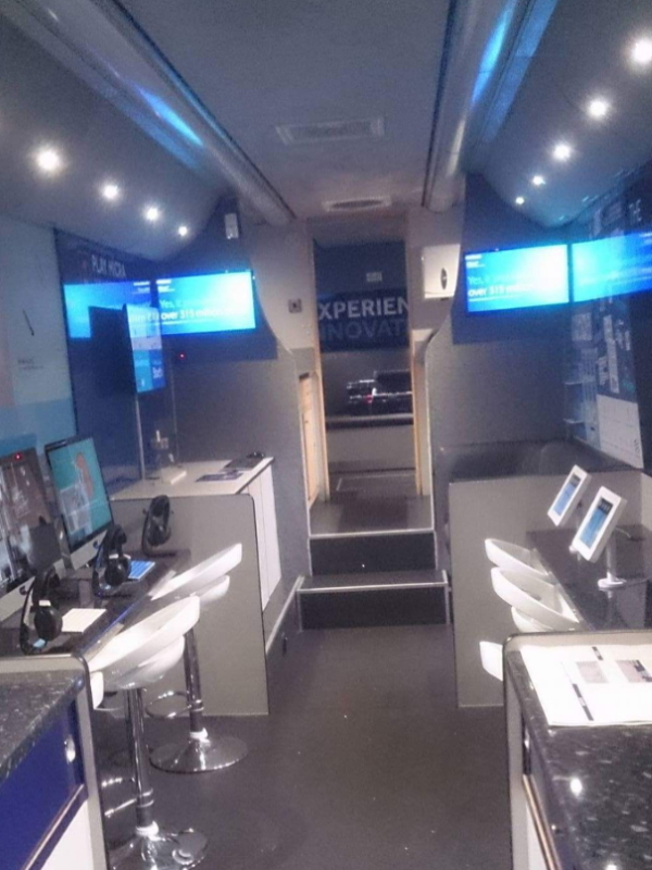 RSP09 Medtronic Exhibition Bus Interior