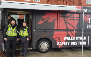 rsp07 welsh police-cyber crime exhibition bus