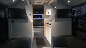 rsp09-interior midsection-