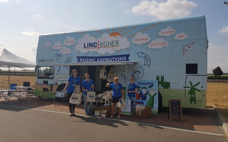 RSP03 Linchigher Roadshow Bus Lincoln